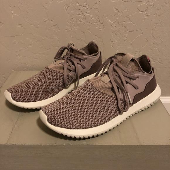 le adidas donne tubulare intrappolare scarpe poshmark